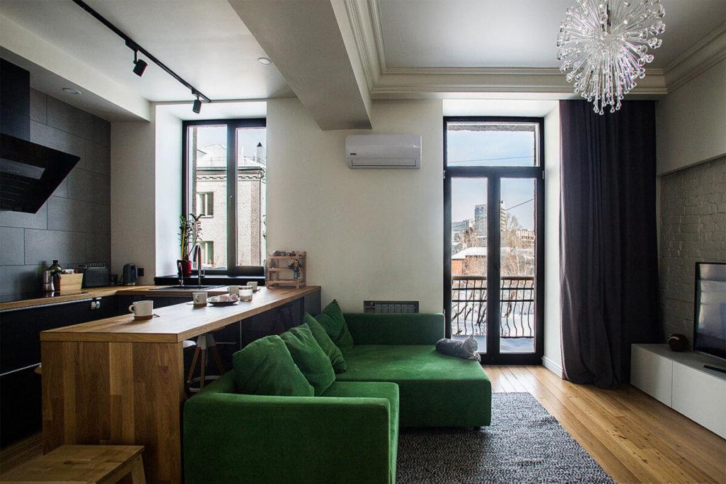 небольшая квартира студия с обеденной зоной фото