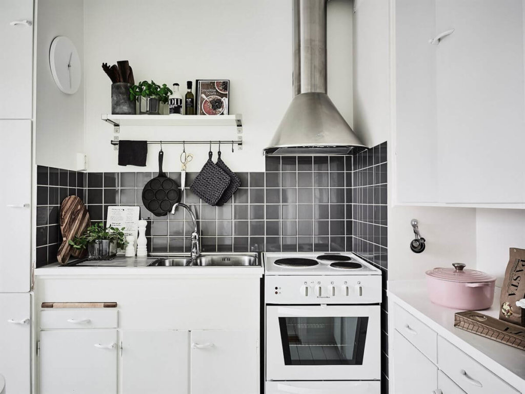 светлая кухня на 6 кв м фото
